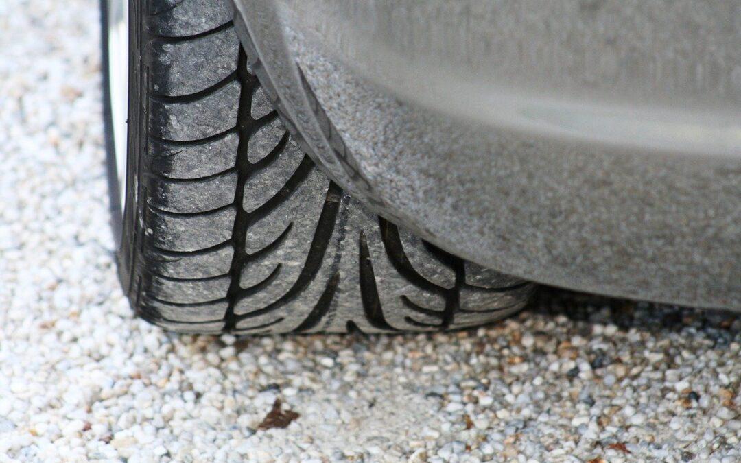 Rouler pneu crevé : Attention ! Voici ce qui vous attendra