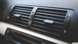 Quand faire l'entretien de la climatisation de sa voiture ?